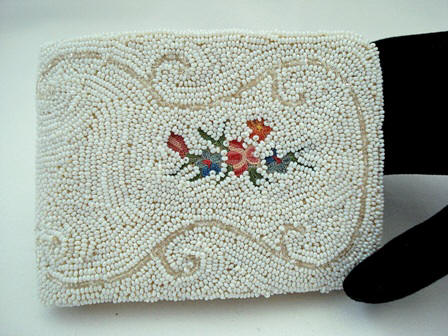 Elegant vintage ladies beaded embroidered wallet